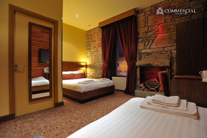 FAMILY-ROOM-3-705x469 Hotel