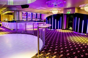 Live-Lounge-Bar-Dance-300x200 Live-Lounge-Bar-Dance