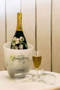 Live-Lounge-Booth-Champagne-200x300 Live-Lounge-Booth-Champagne