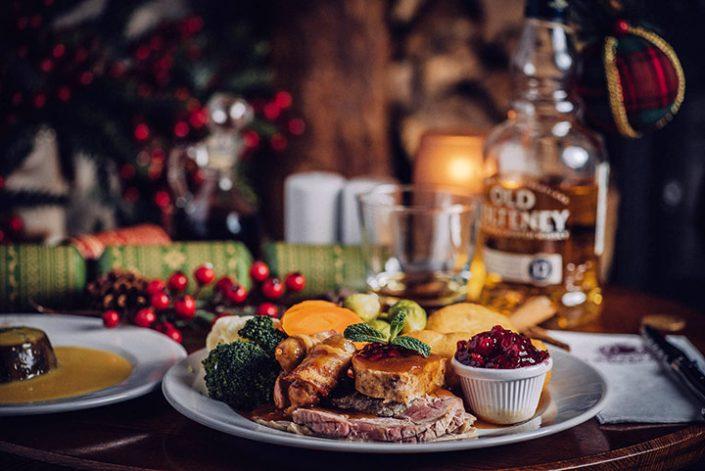 Commercial-Christmas-Dinner-705x471 Christmas